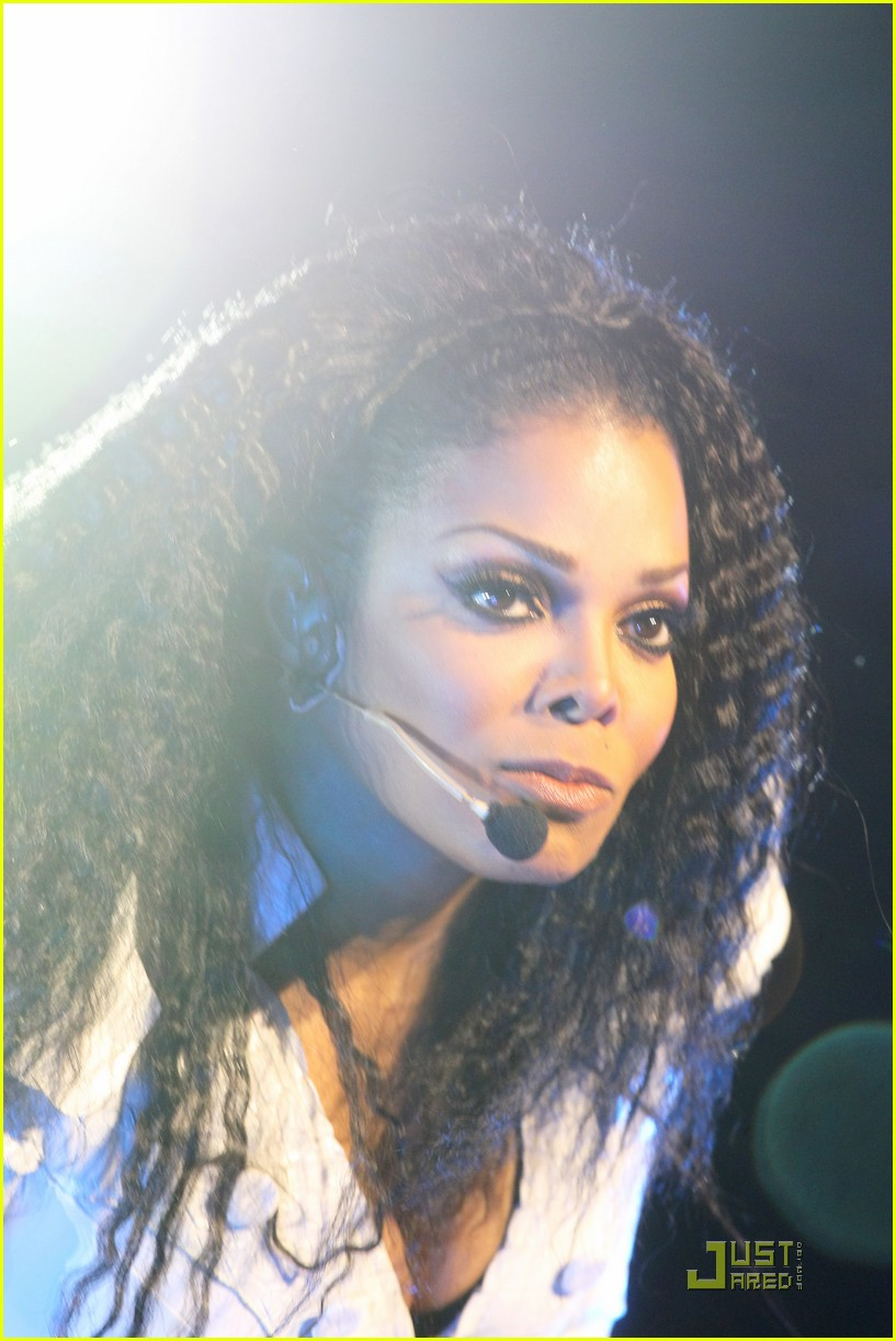 janet jackson up close and personal in london 08