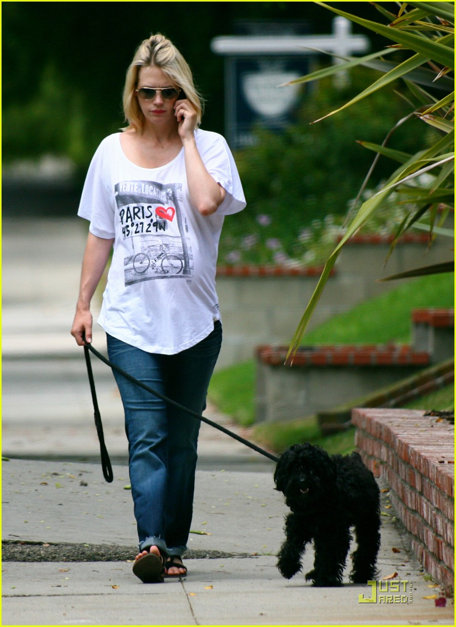 january jones walks dog 11