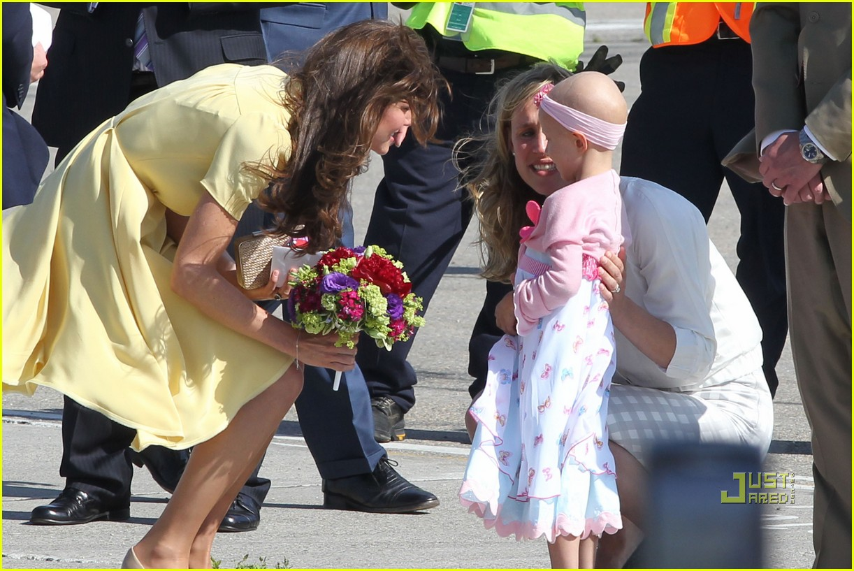 prince william kate calgary airport 10
