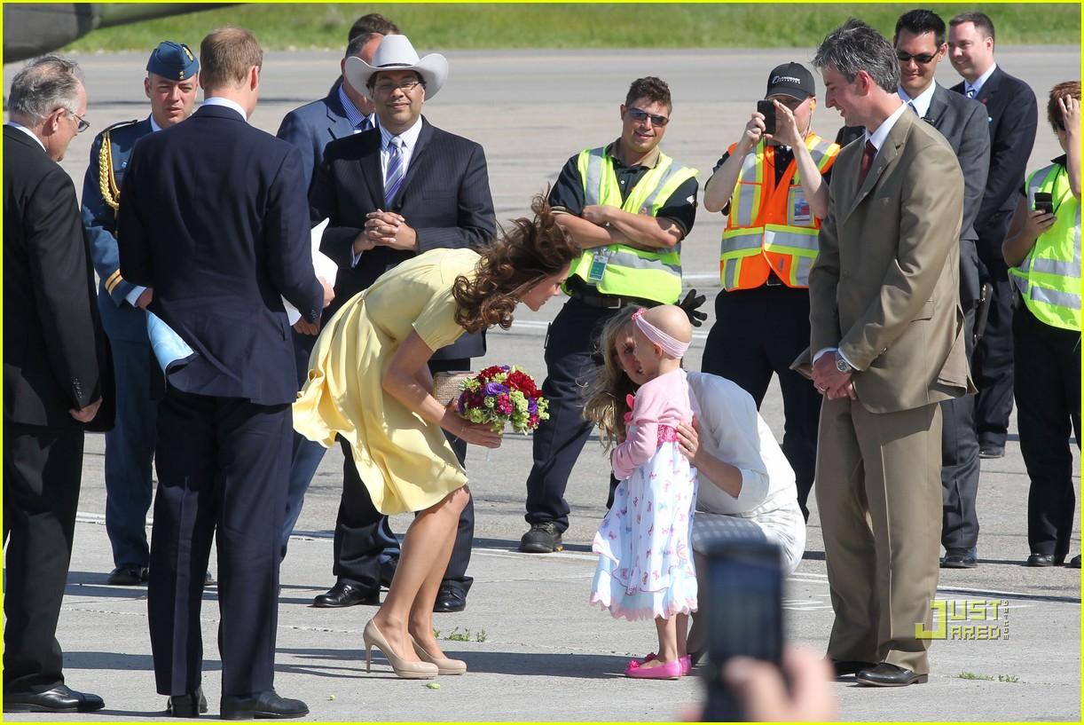 prince william kate calgary airport 11