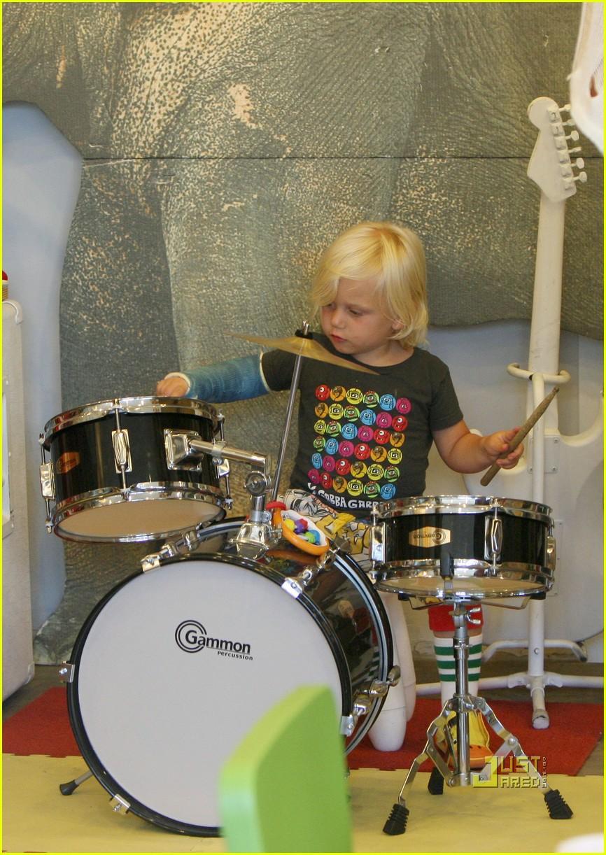 gwen stefani gavin rossdale zuma drums kingston blue mohawk 01