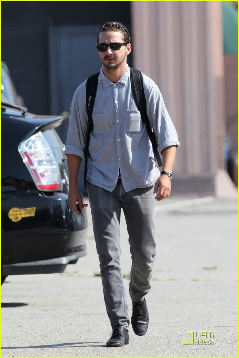 shia labeouf coffee work 09