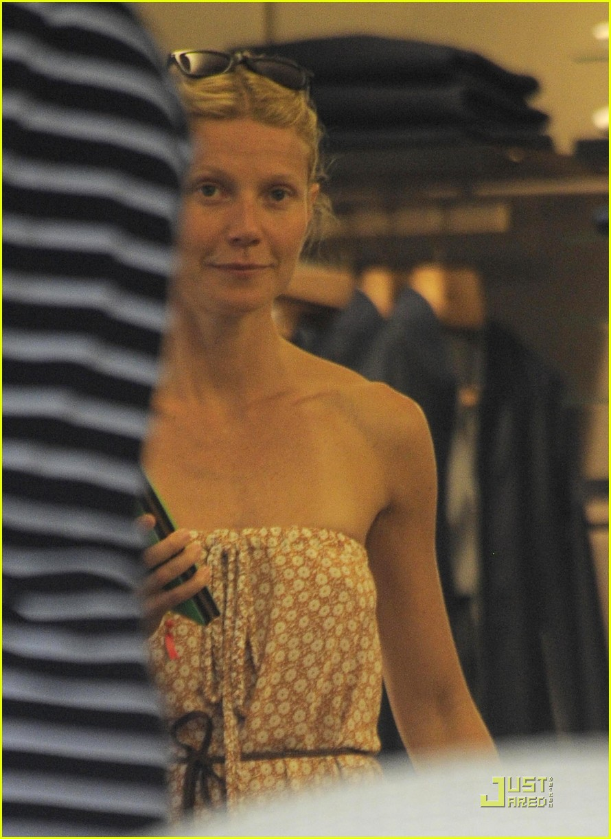 gwyneth paltrow apple moses vacation 03
