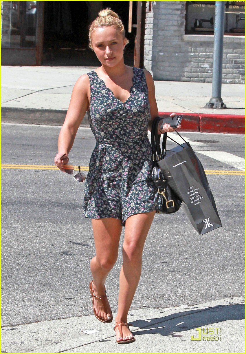 hayden panettiere beverly hills onepiece stop 03