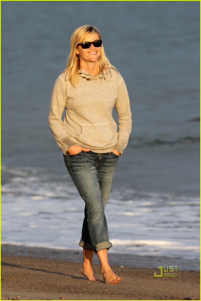reese witherspoon jim toth deacon ava beach 182557785