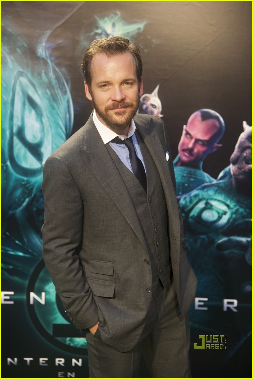 ryan reynolds peter sarsgaard green lantern madrid 03