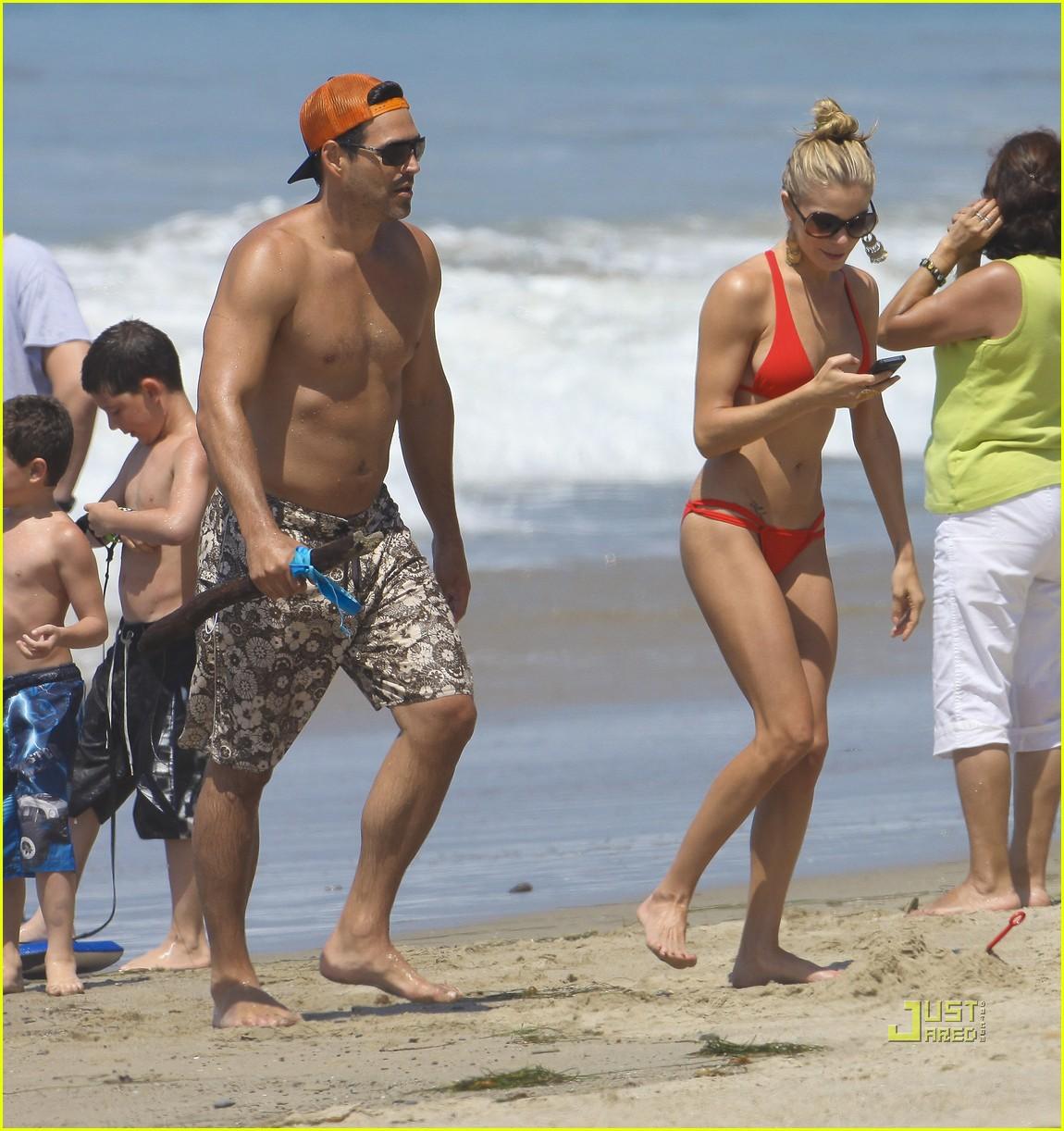 leann rimes bikini eddie cibrian shirtless malibu beach 13