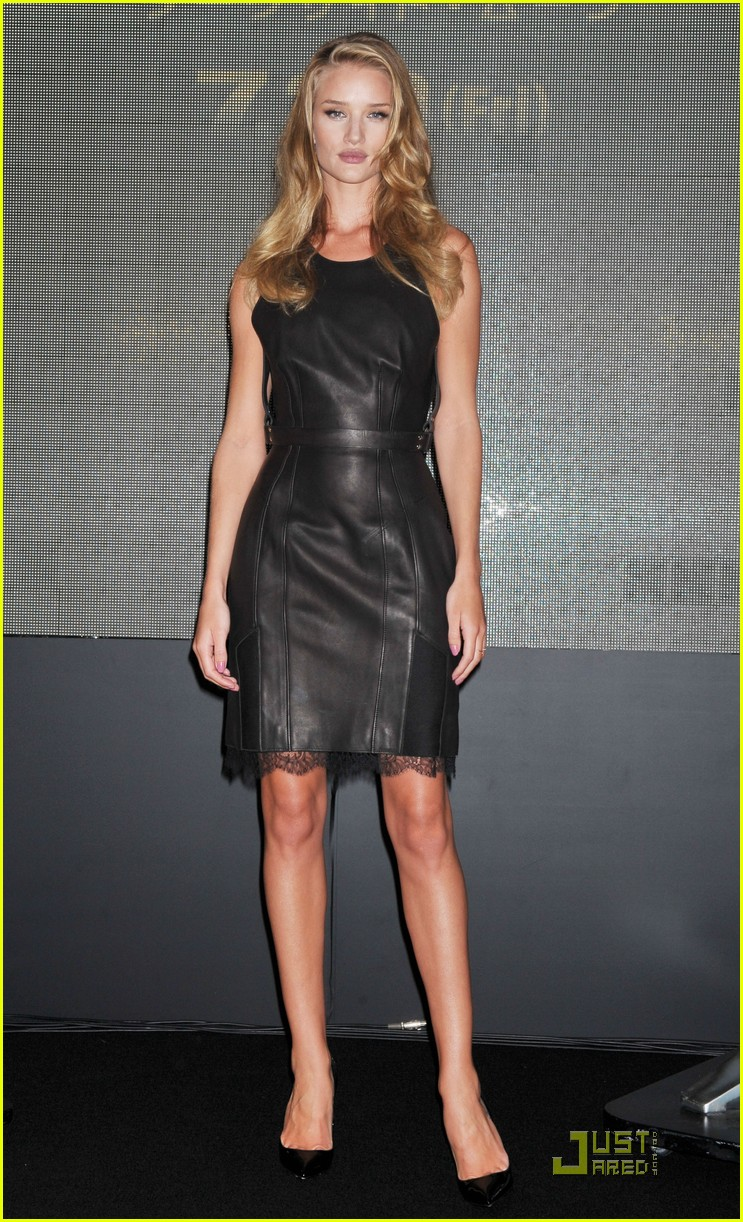 rosie huntington whiteley osaka press conference 01