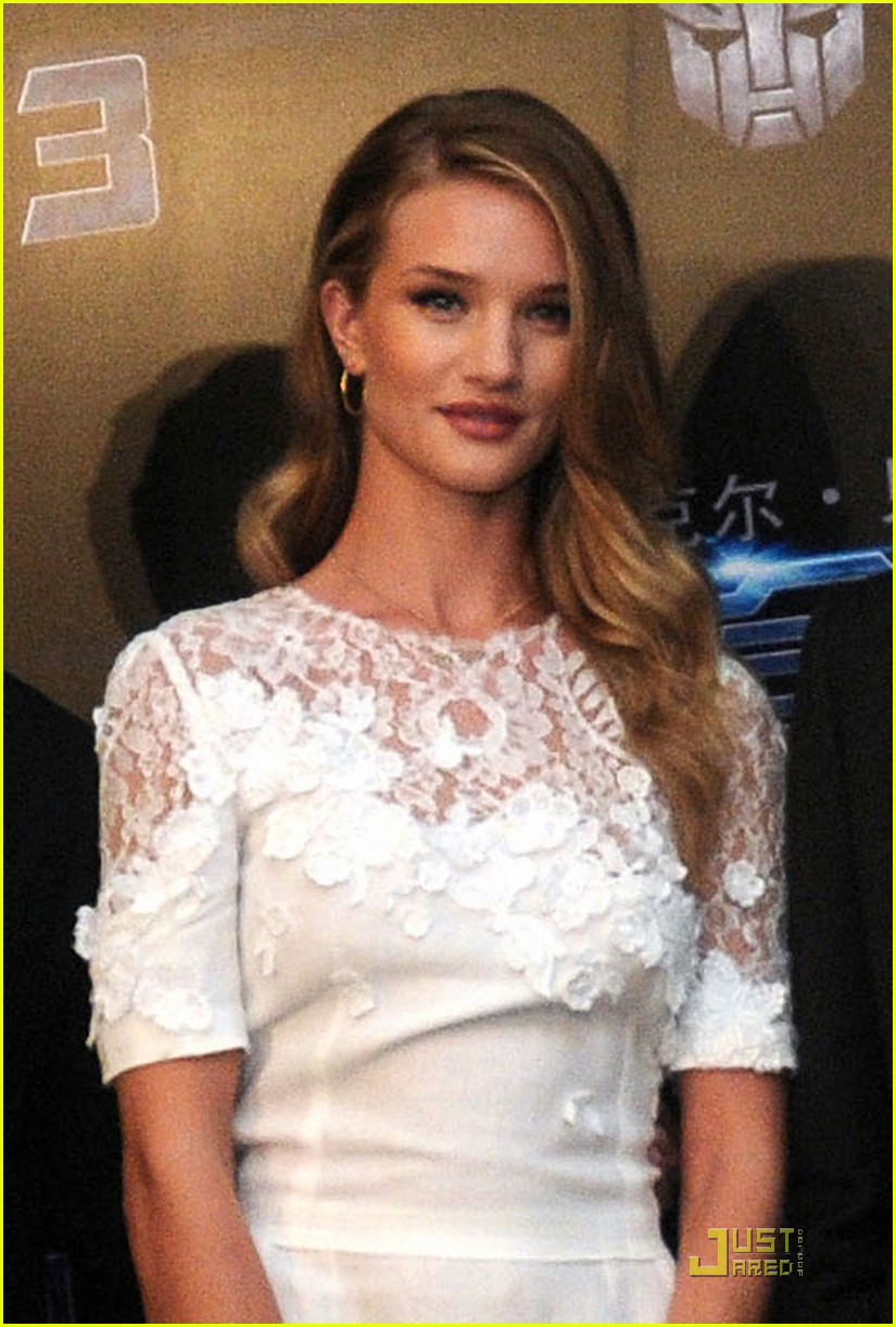 rosie huntington whiteley transformers shanghai 022560678