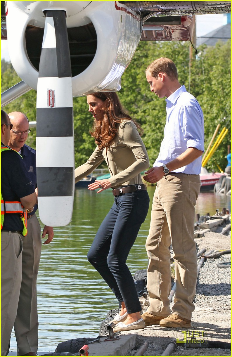 prince william kate middleton seaplane 08