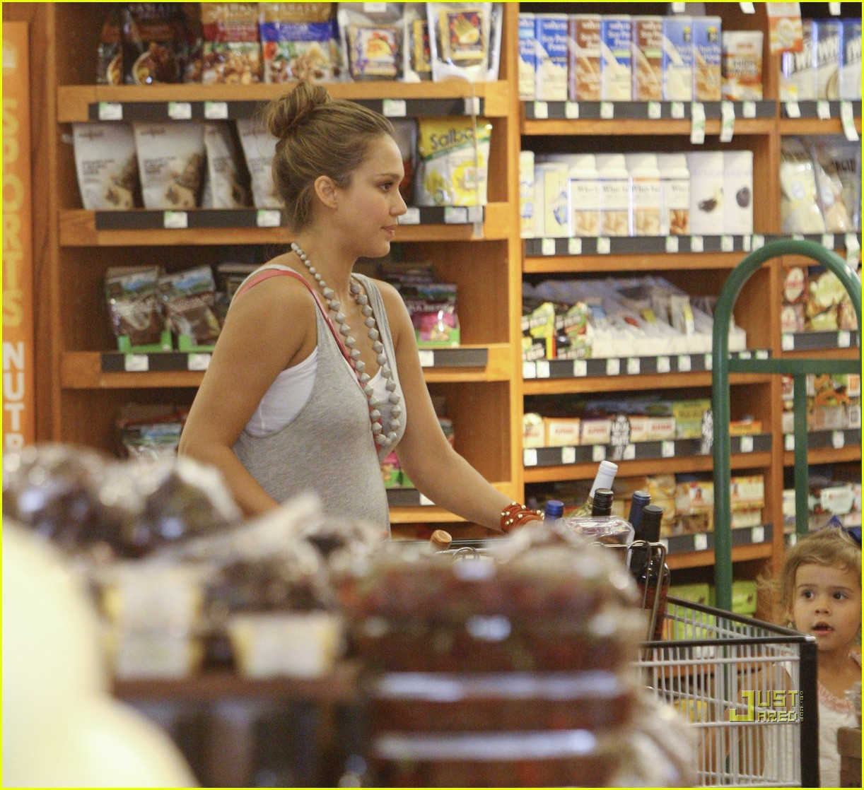 jessica alba honor whole foods 05