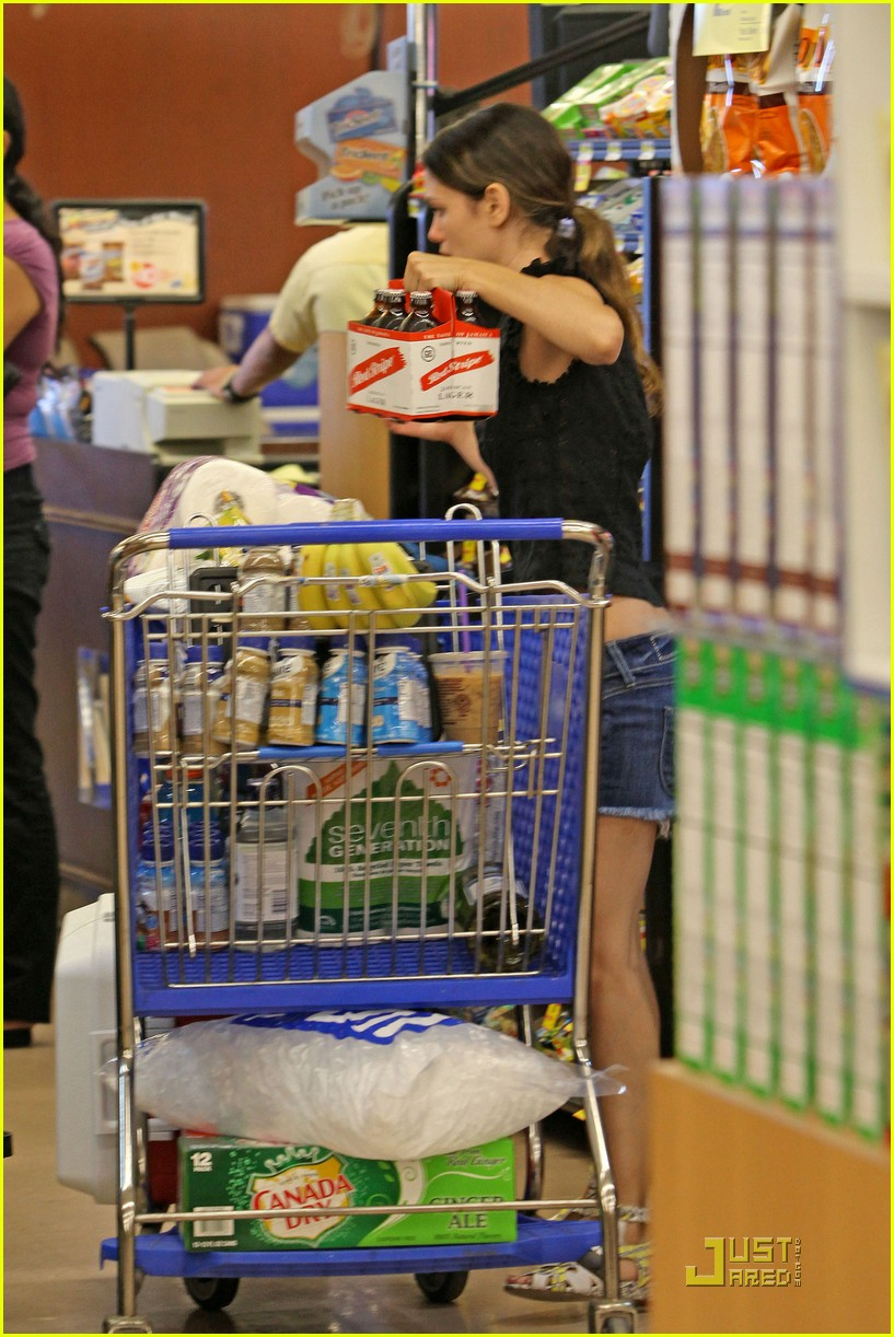 rachel bilson grocery girl 11