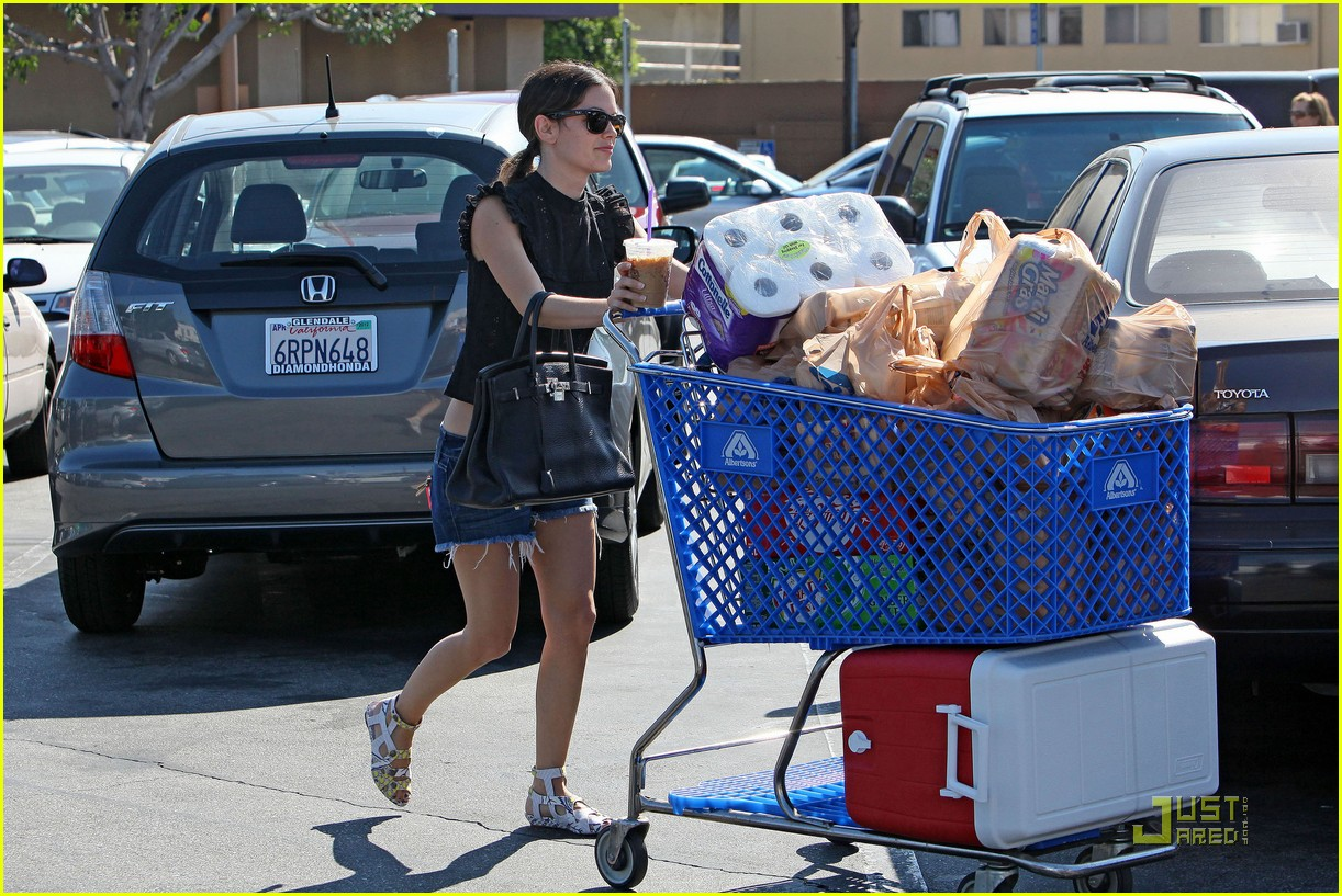rachel bilson grocery girl 13