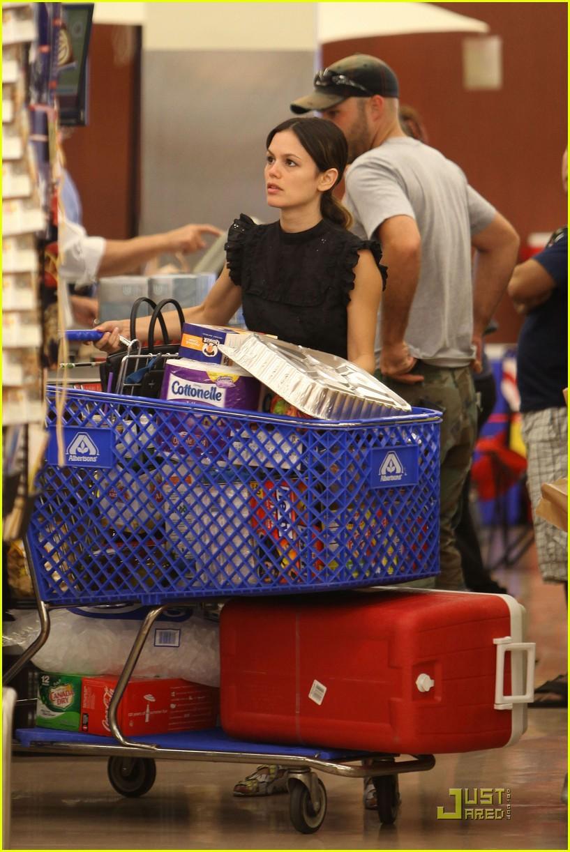 rachel bilson grocery girl 16