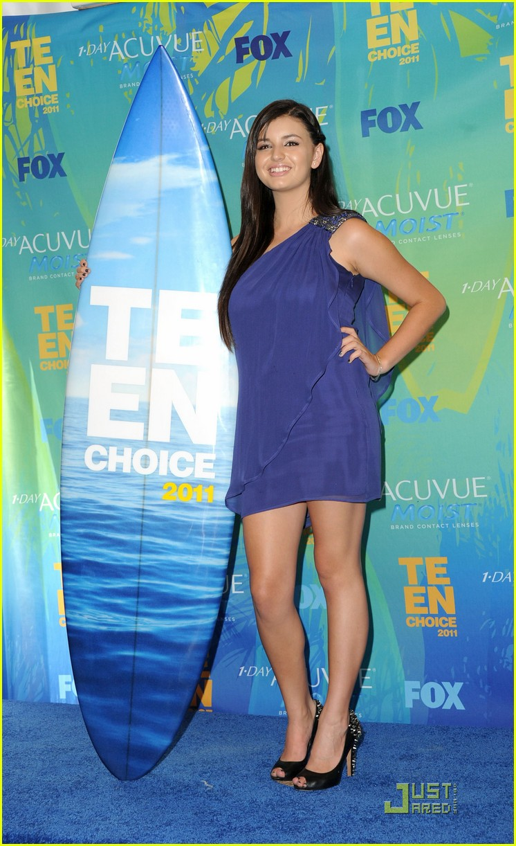 rebecca black choice web star at teen choice awards 03