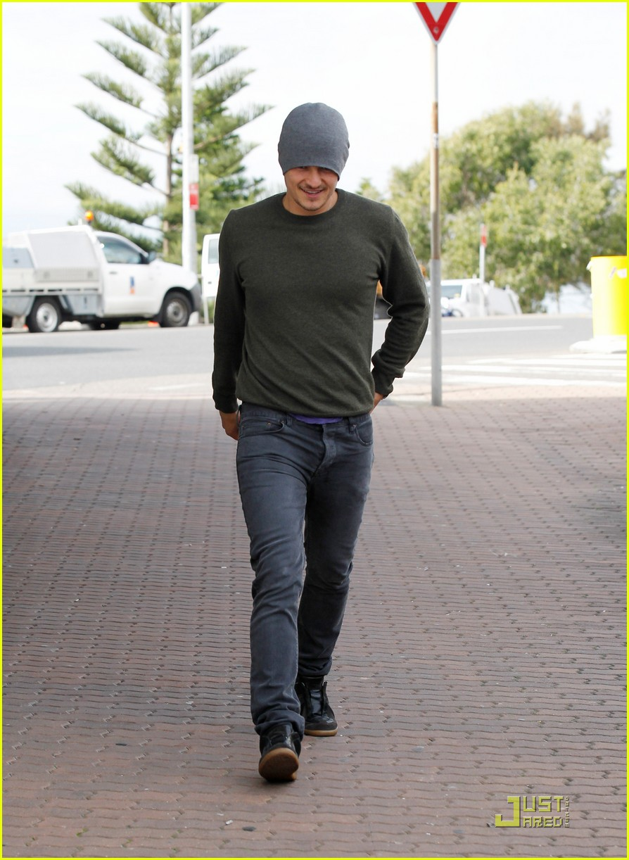 orlando bloom breakfast bondi beach  01