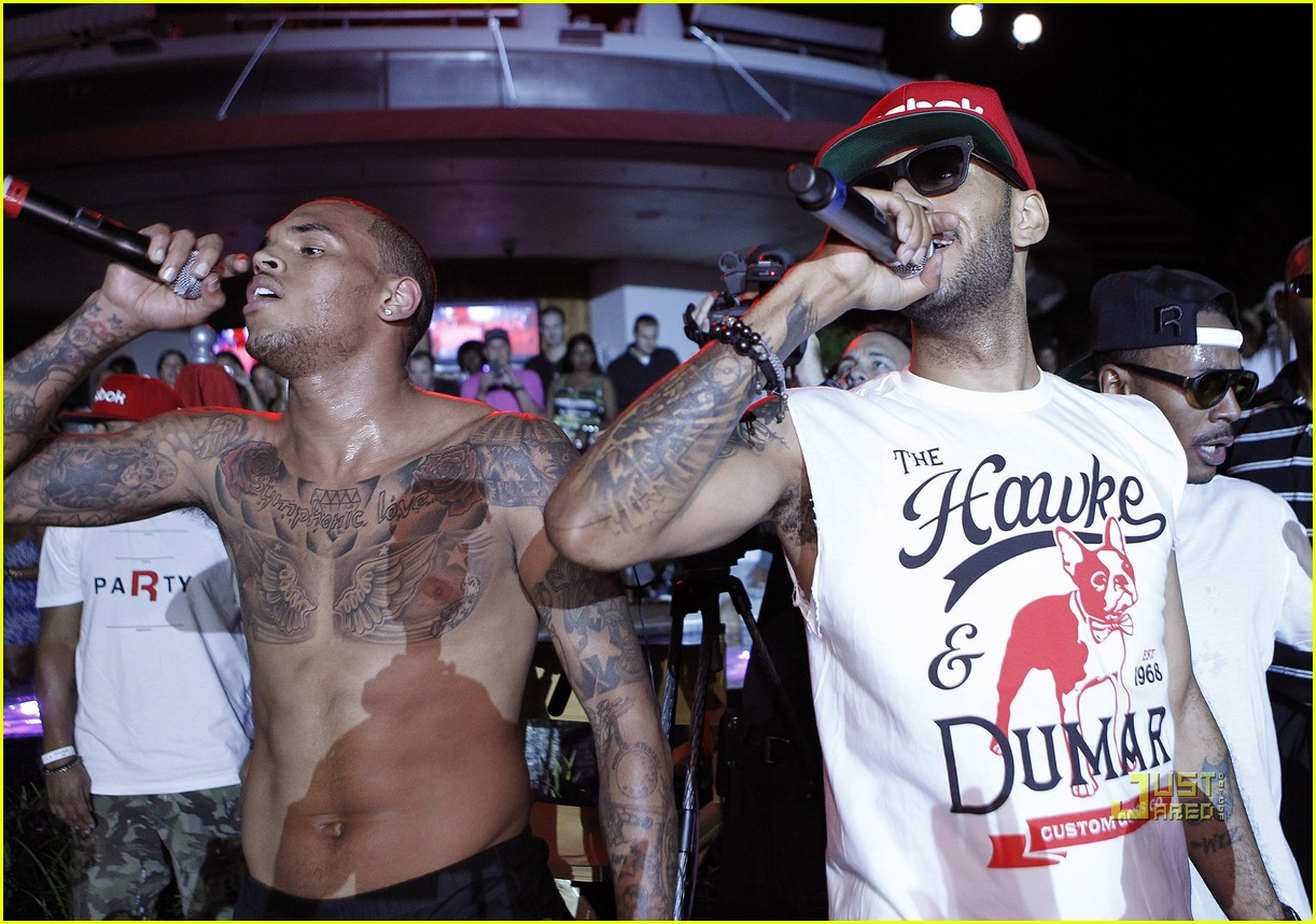 chris brown shirtless reebok party swizz beatz 01