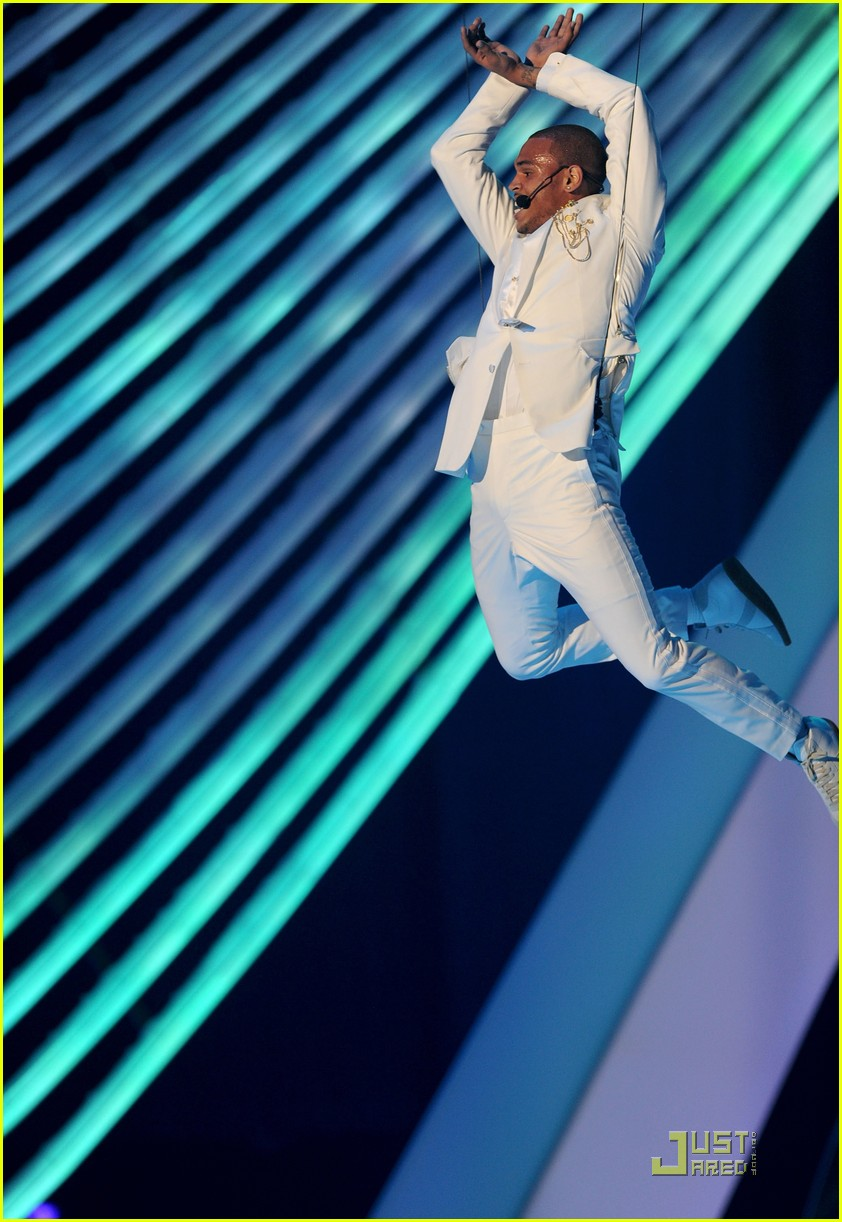 chris brown mtv vmas 2011 05