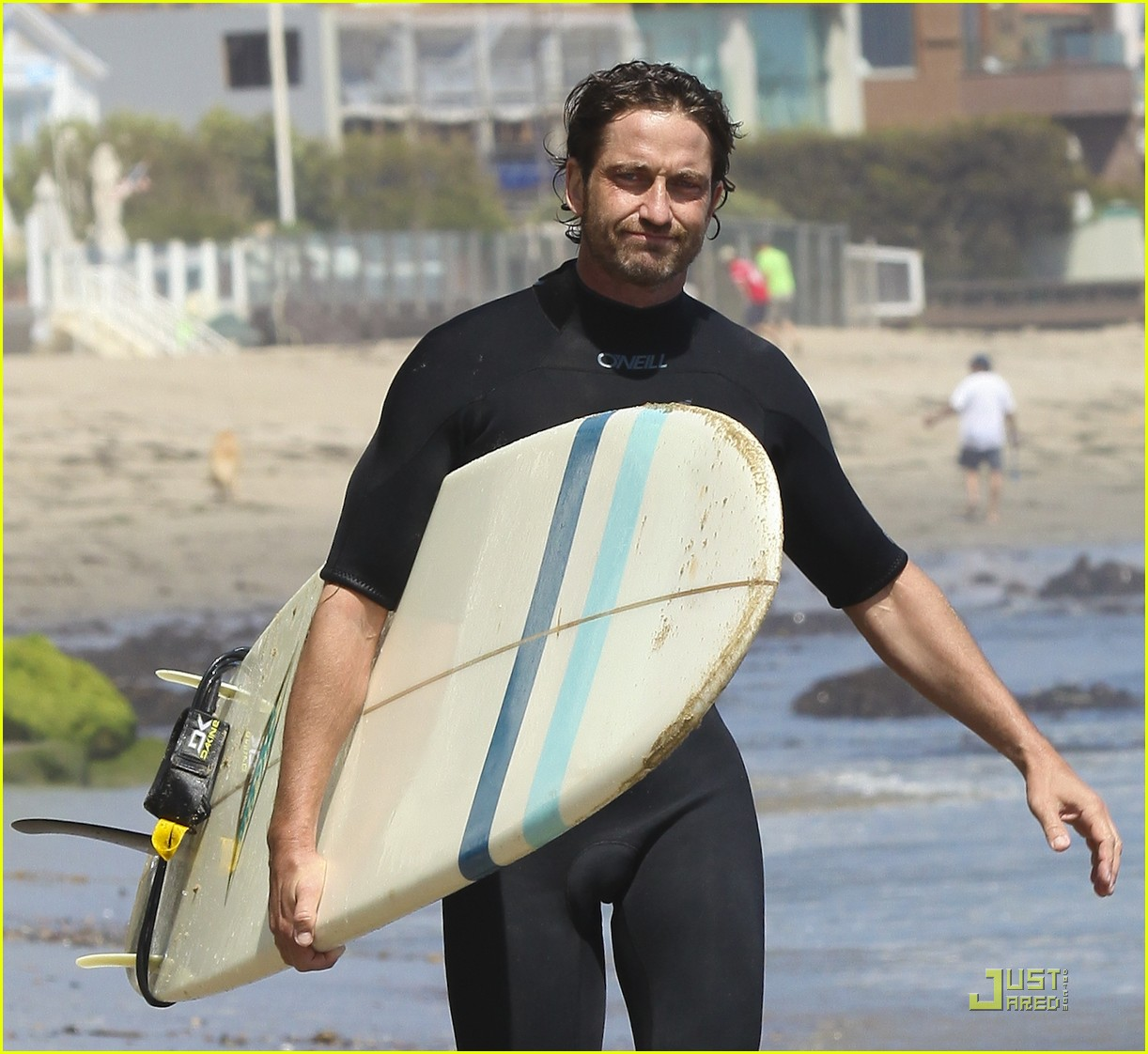 gerard butler surf coffee 05