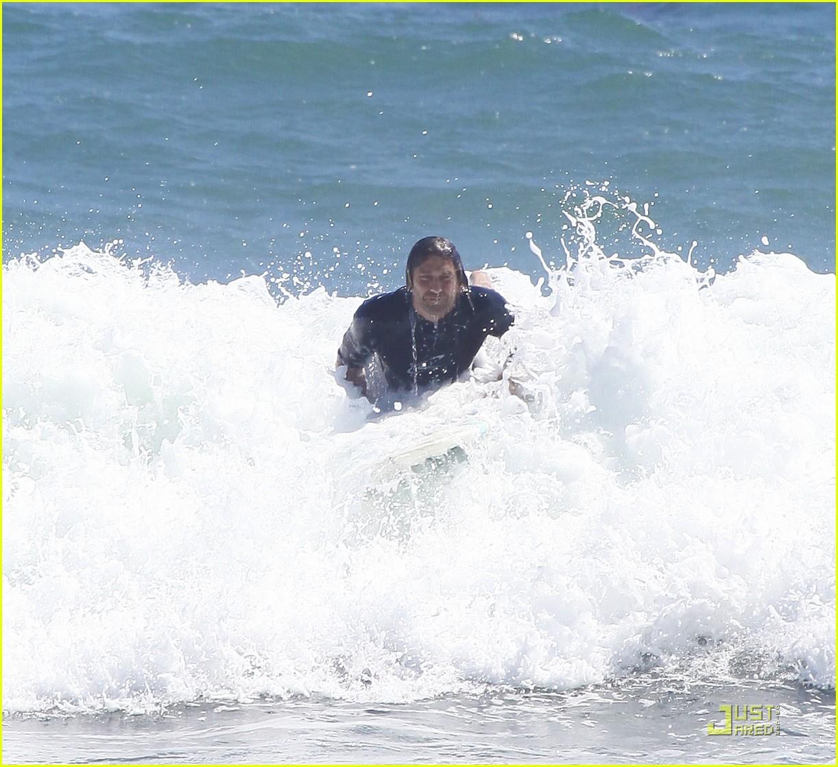 gerard butler surf coffee 32