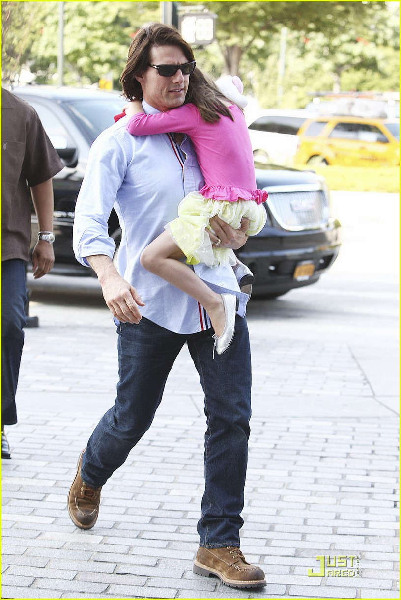 tom cruise suri chelsea piers 04