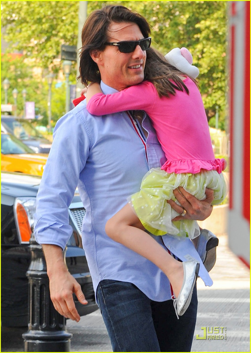 tom cruise suri chelsea piers 09