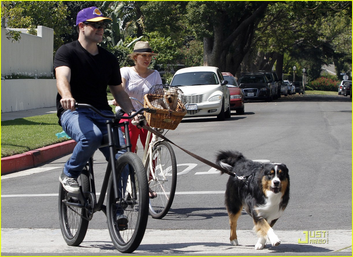 hilary duff mike bikes 05