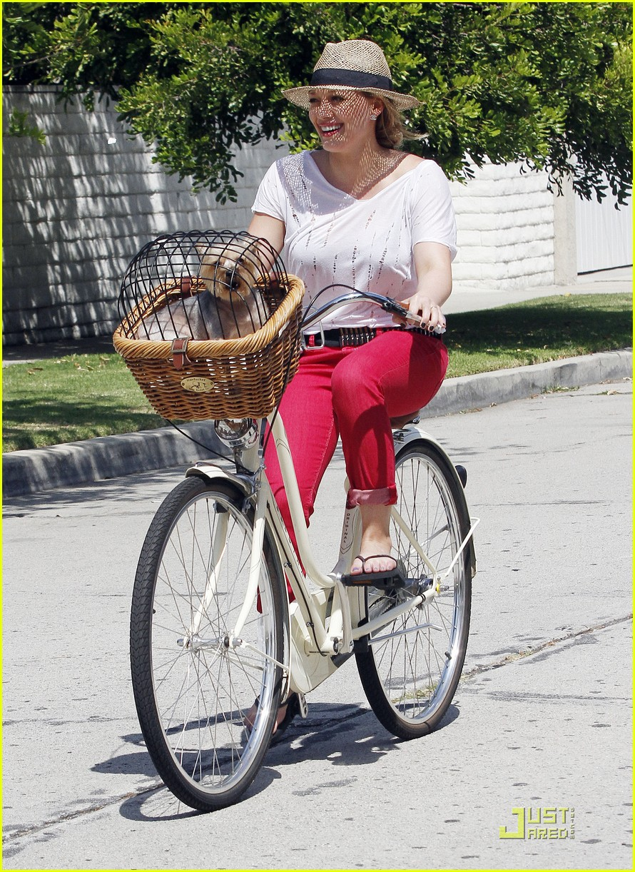 hilary duff mike bikes 102569924