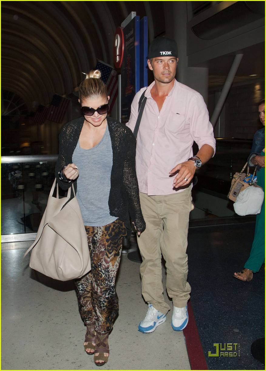 fergie josh duhamel lax 03
