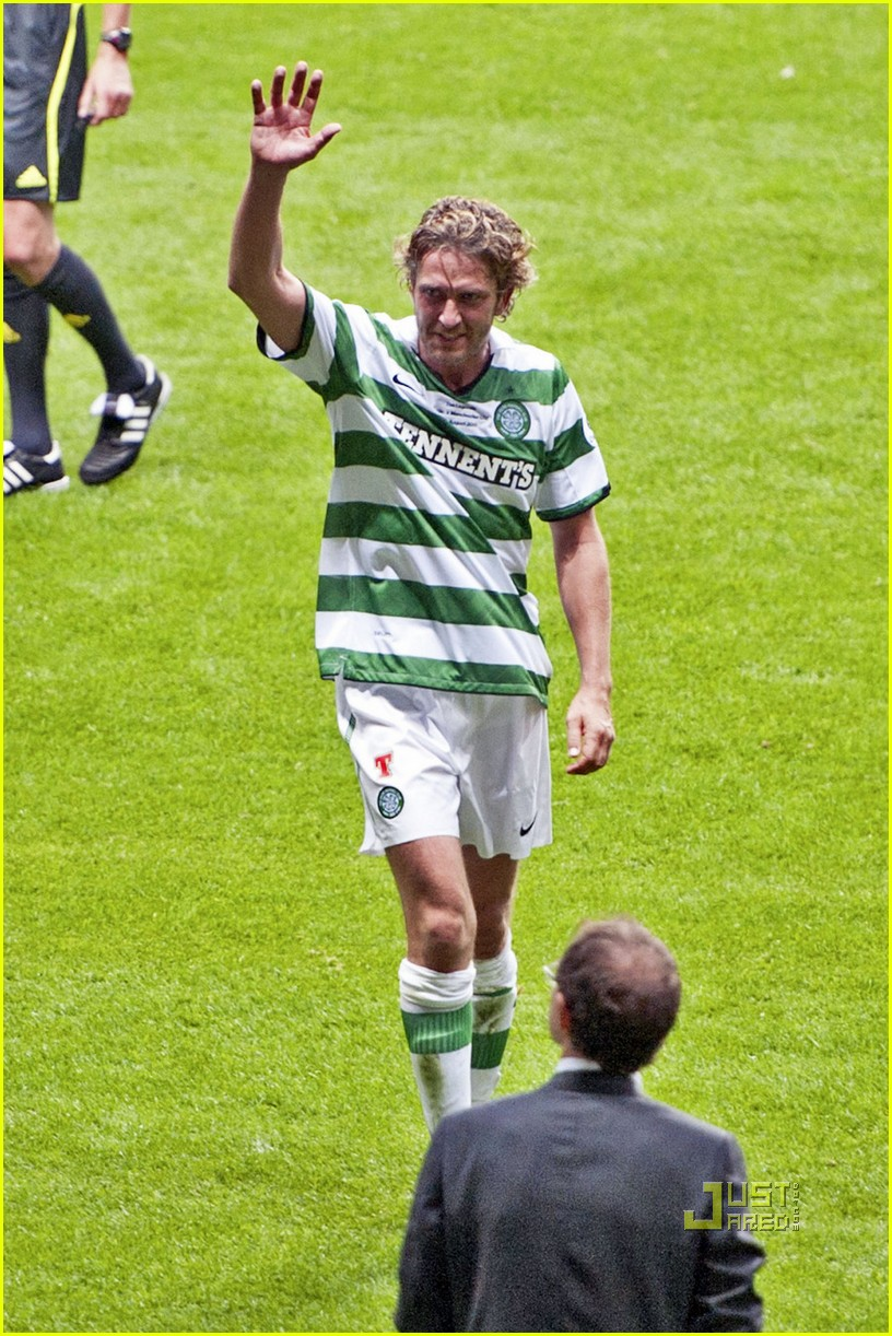 gerard butler charity match 03