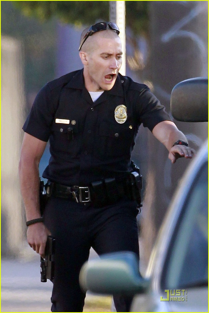 jake gyllenhaal america ferrera on set of end of watch 05