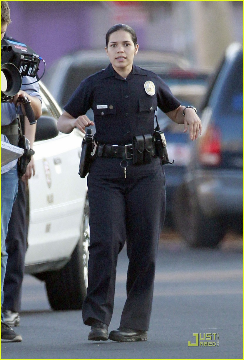 jake gyllenhaal america ferrera on set of end of watch 06