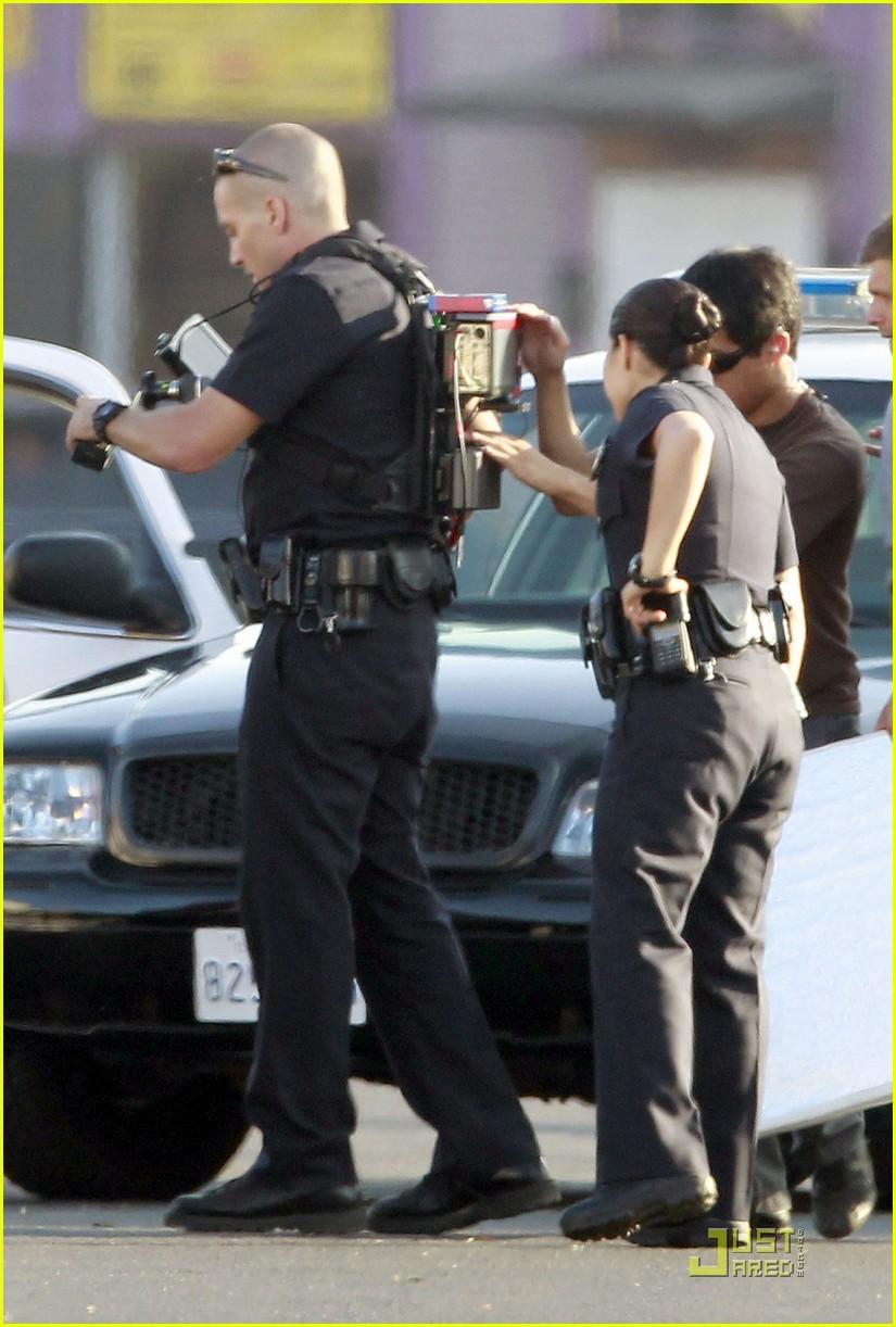 jake gyllenhaal america ferrera on set of end of watch 09