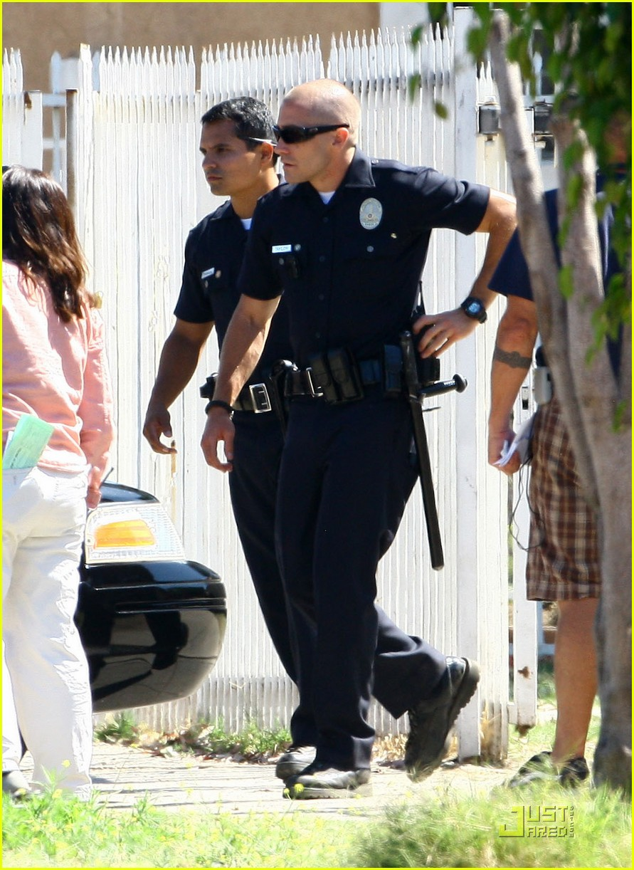 jake gyllenhaal end of watch with america ferrera 02