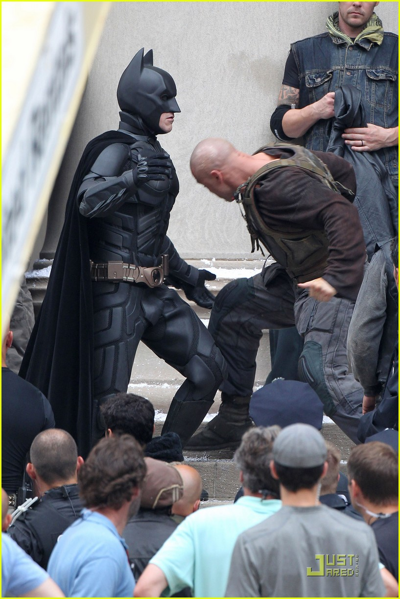 tom hardy christian bale bane batman battle 01