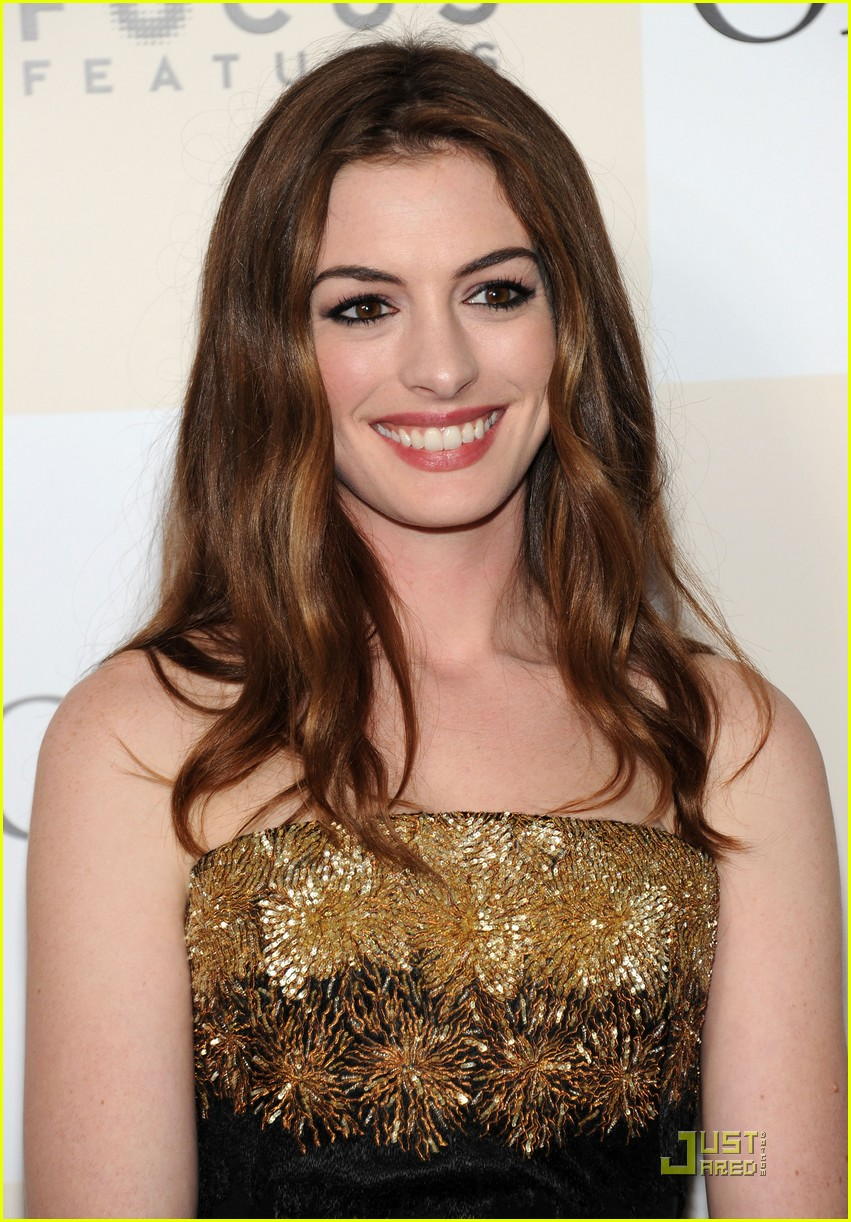 anne hathaway jim sturgess one day premiere nyc 05