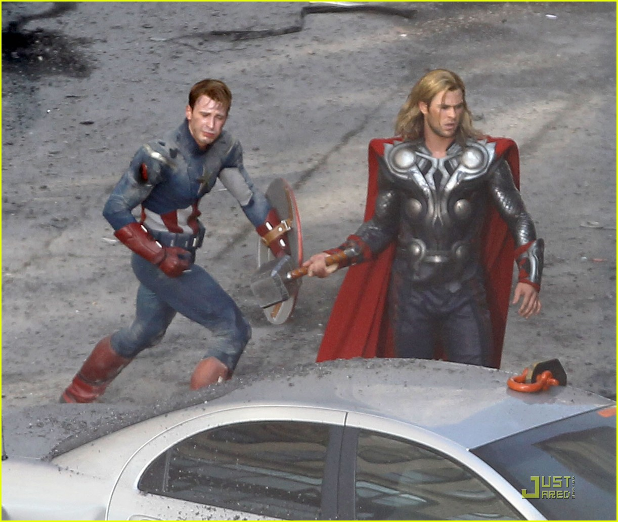 chris hemsworth chris evans avengers 04
