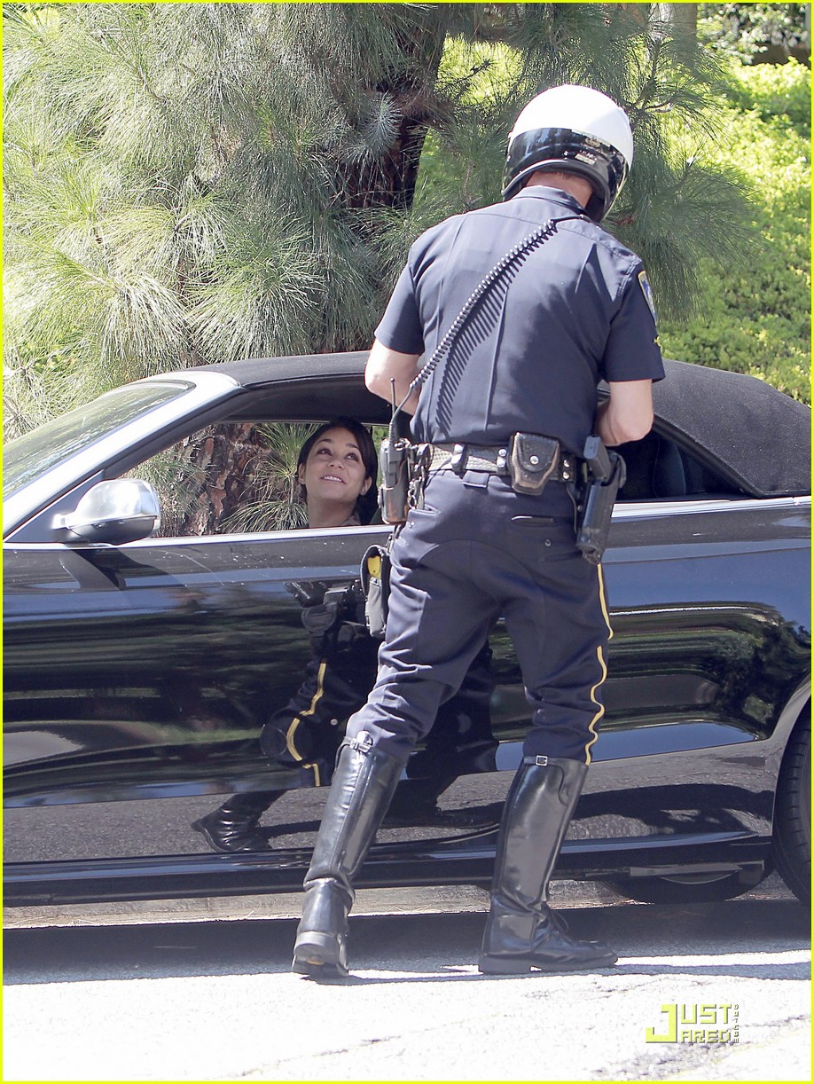 vanessa hudgens pulled over by cops 04