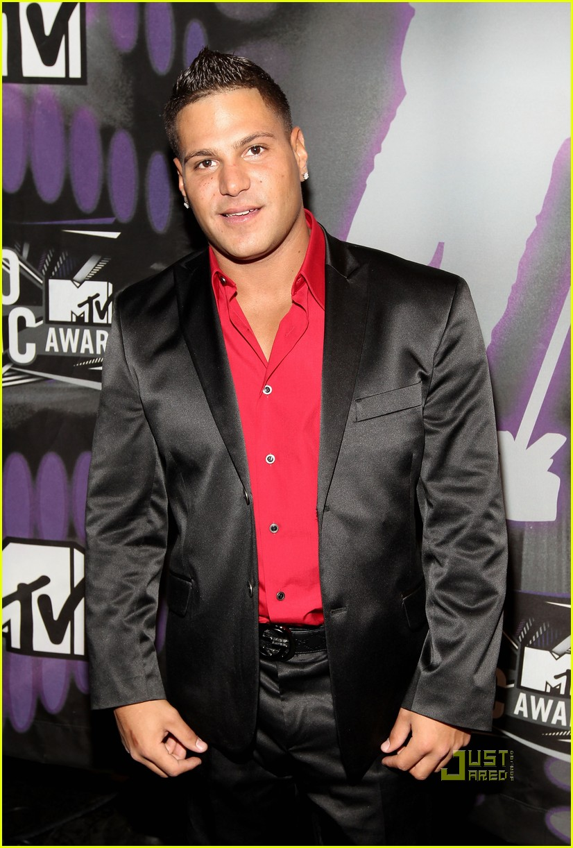 jersey shore mtv vmas 2011 red carpet 02