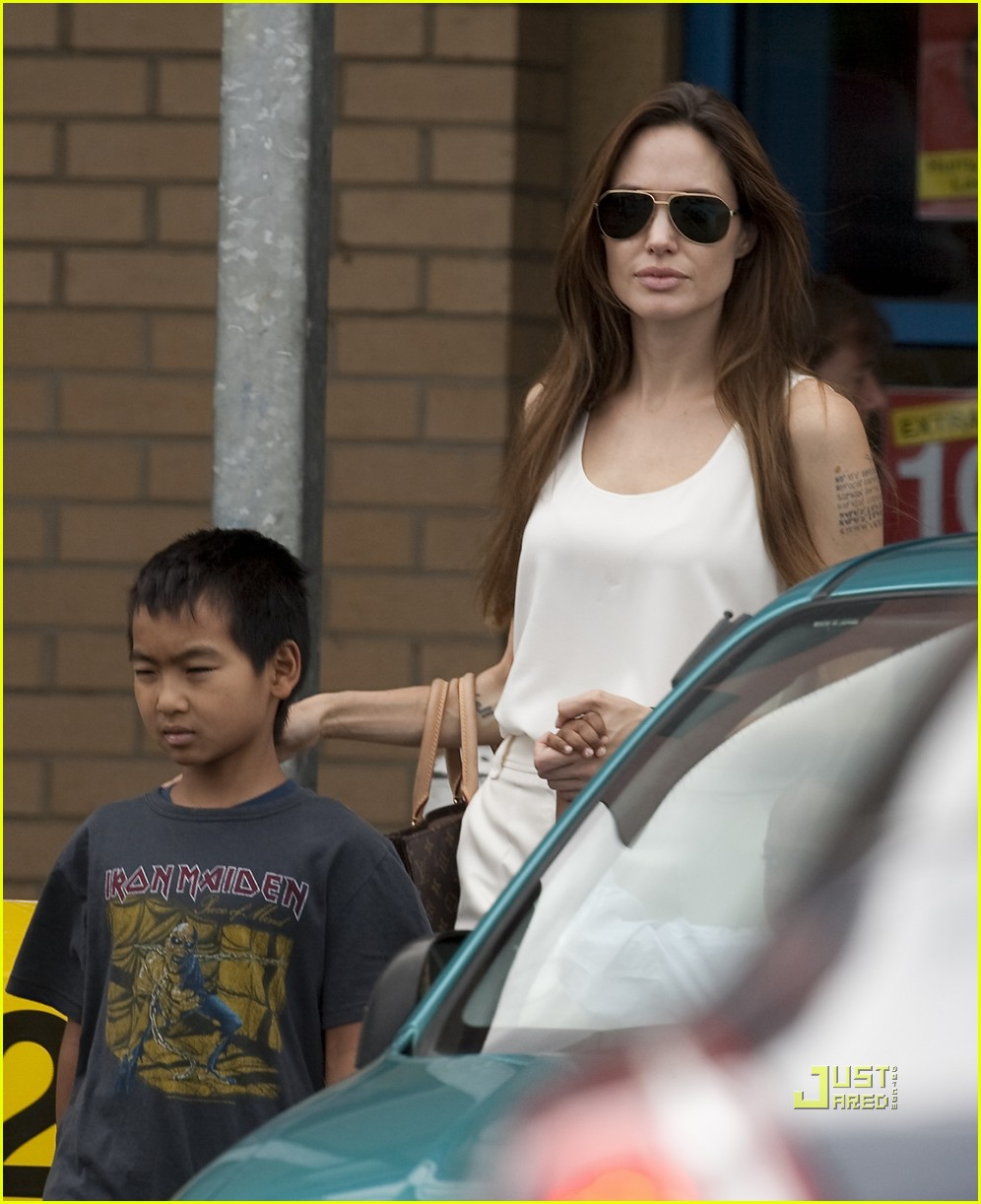 angelina jolie brad pitt kids bike shop 02