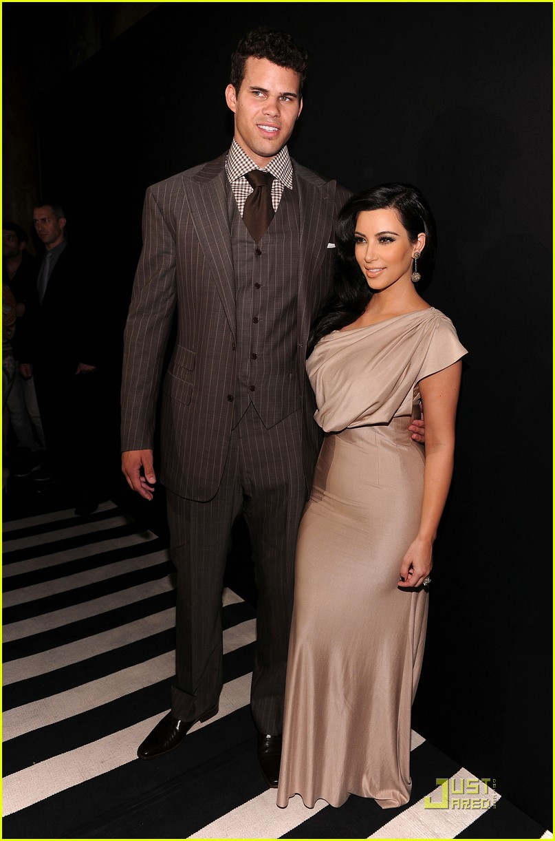 kim kardashian kris humphries celebrate wedding in nyc 03