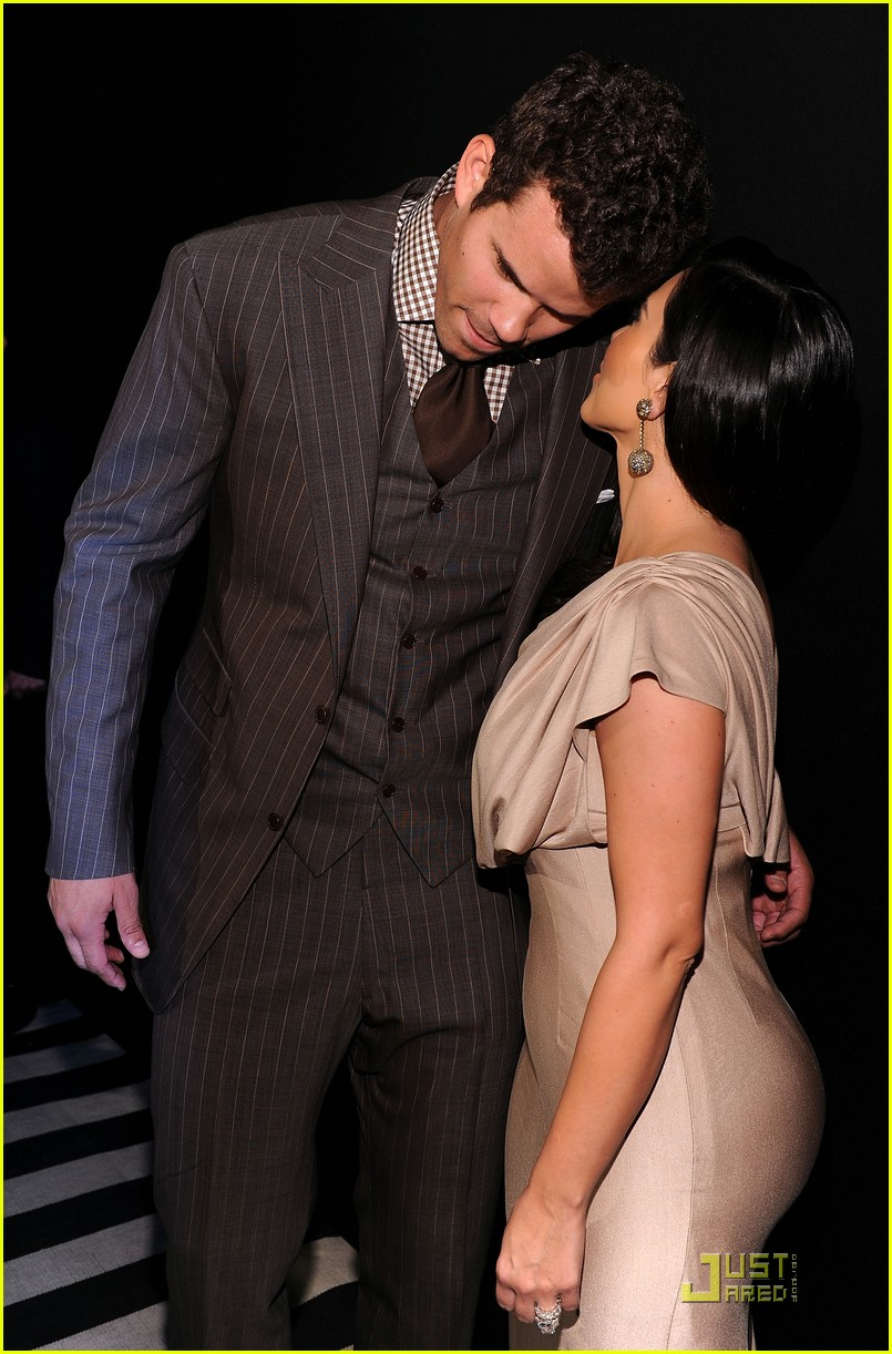 kim kardashian kris humphries celebrate wedding in nyc 05
