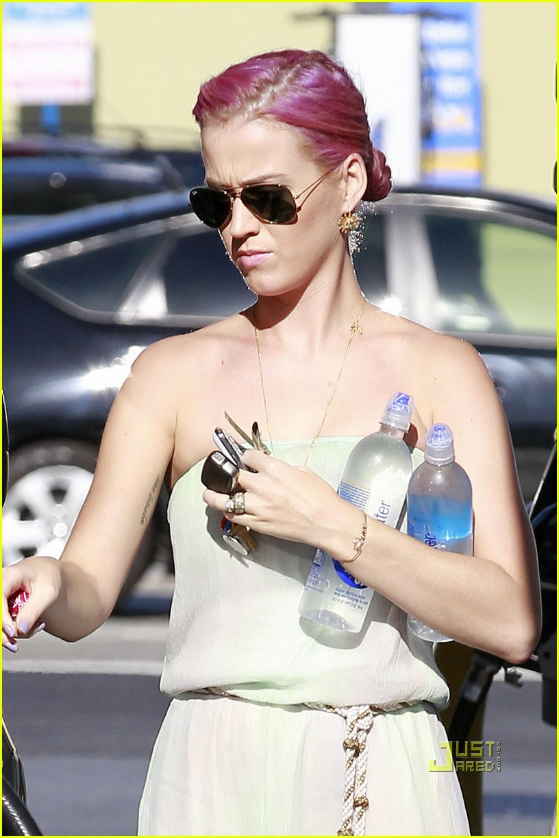 katy perry pink hair 02