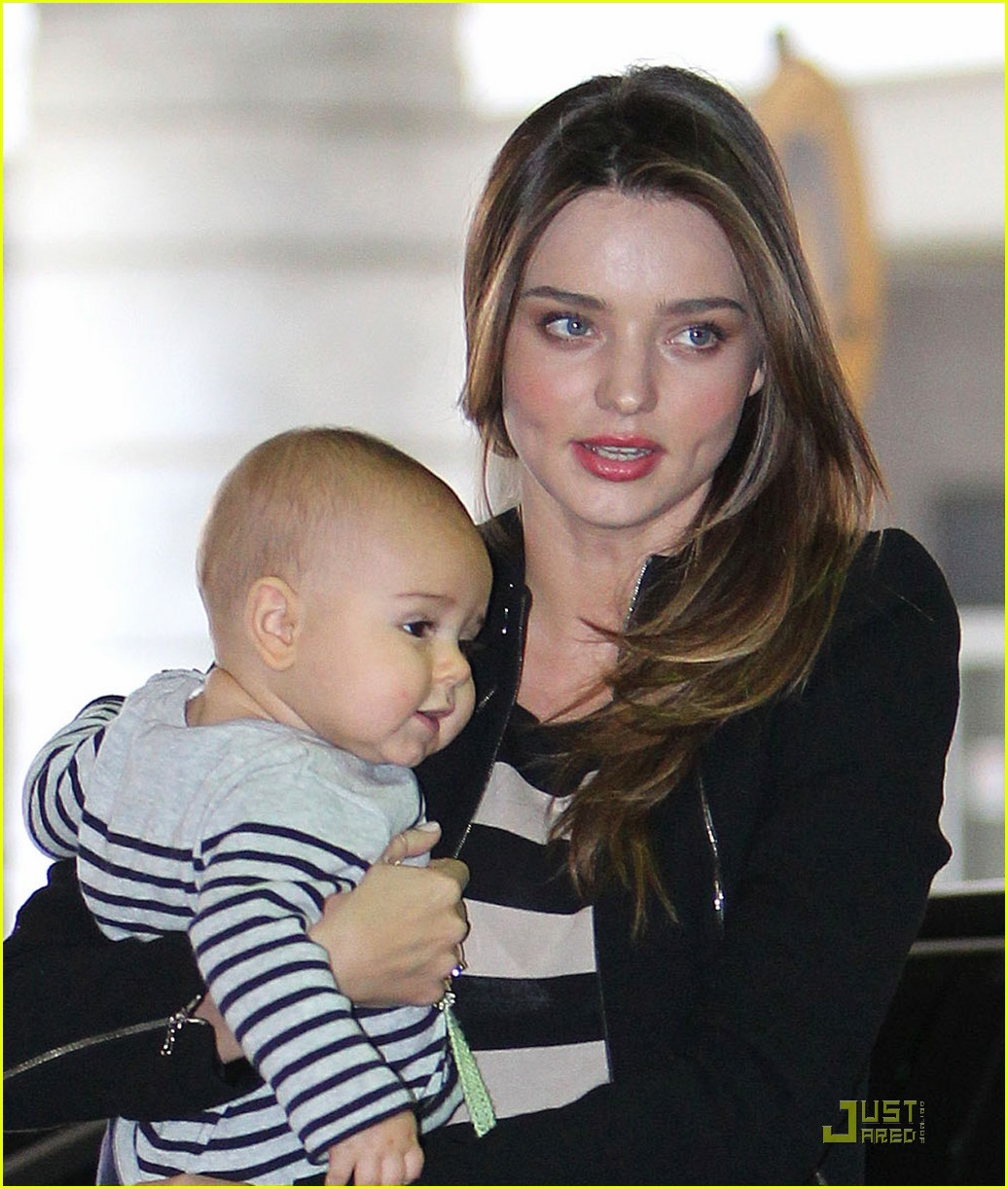 miranda kerr flynn calm mother baby 04