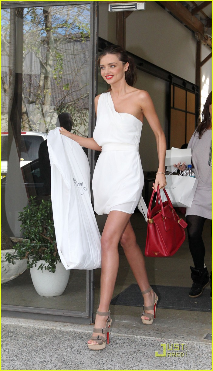 miranda kerr white hot in sydney 05