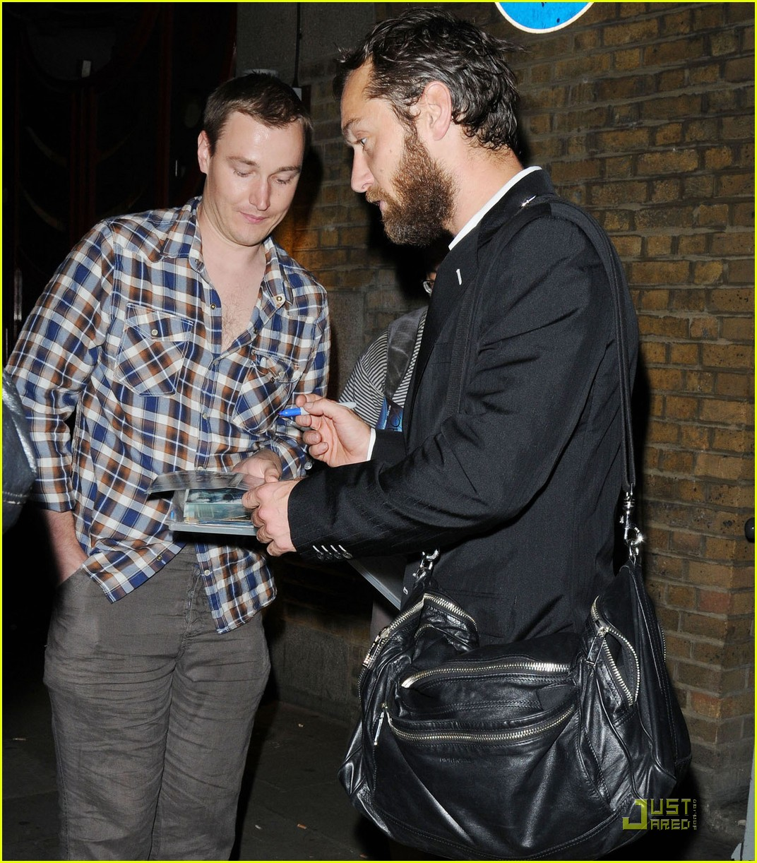 jude law autographs london 062569975