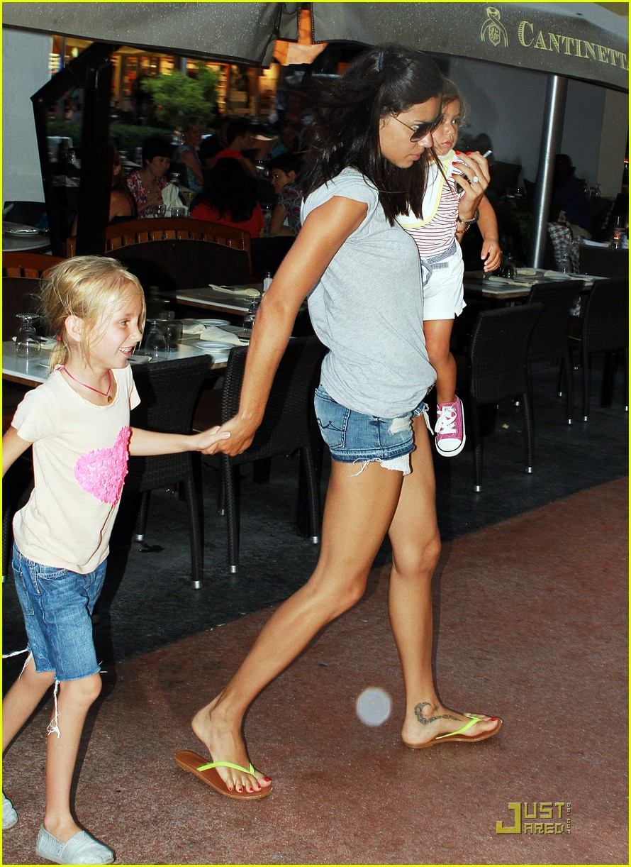 adriana lima family fun in miami 03