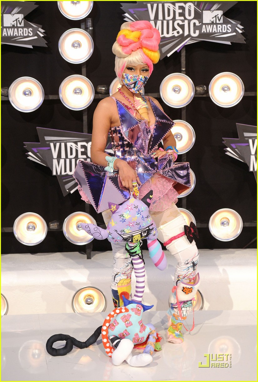 nicki minaj debuts fly video at mtv vmas 06