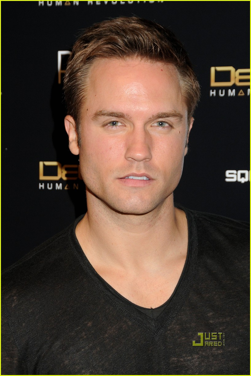 aaron paul scott porter deus ex launch 03