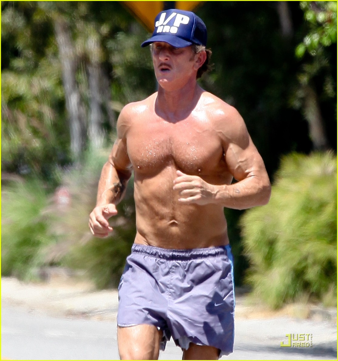 sean penn shirtless jogging with shannon costello 022574279
